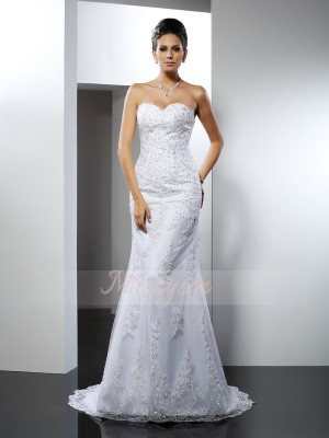 Sleeveless Sweetheart Satin Court Train White Wedding Dresses