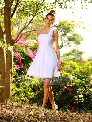 Sleeveless One-Shoulder Chiffon Knee-Length White Bridesmaid Dresses