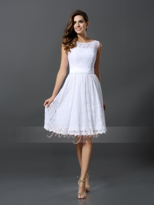 Sleeveless Scoop Lace Knee-Length White Bridesmaid Dresses