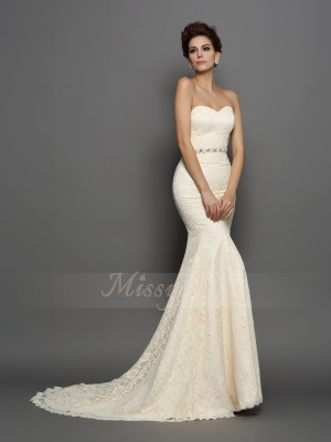 Trumpet/Mermaid Sleeveless Sweetheart Chapel Train Champagne Wedding Dress