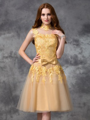 A-line/Princess Sleeveless High Neck Short Gold Dresses