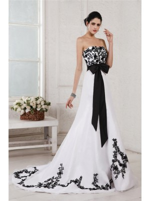Sleeveless Sweetheart Court Train White , Black Wedding Dresses