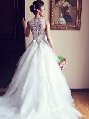 A-Line/Princess Tulle Beading Scoop Sleeveless Chapel Train Ivory Wedding Dresses