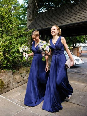 A-Line/Princess Sleeveless V-neck Long Royal Blue Chiffon Bridesmaid Dresses