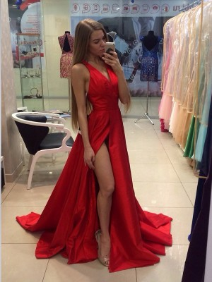 A-Line/Princess Sleeveless Halter Sweep Train Red Taffeta Prom Dresses