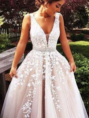 A-Line/Princess Sleeveless V-Neck Sweep Train Ivory Tulle Prom Dresses
