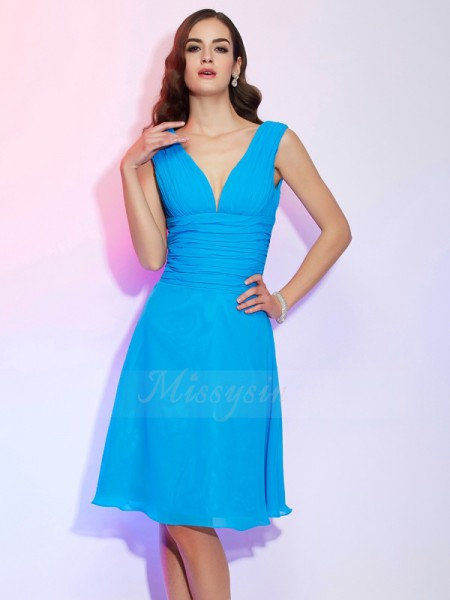 A-Line/Princess V-neck Short Sleeves Knee-Length Blue Dresses