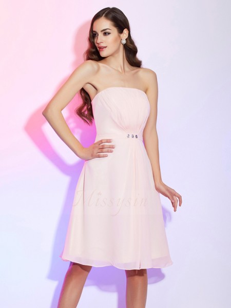 Sheath/Column Strapless Sleeveless Knee-Length Pearl Pink Bridesmaid Dresses
