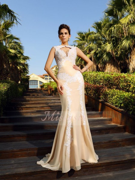 Sleeveless High Neck Chiffon Sweep/Brush Train Champagne Dresses