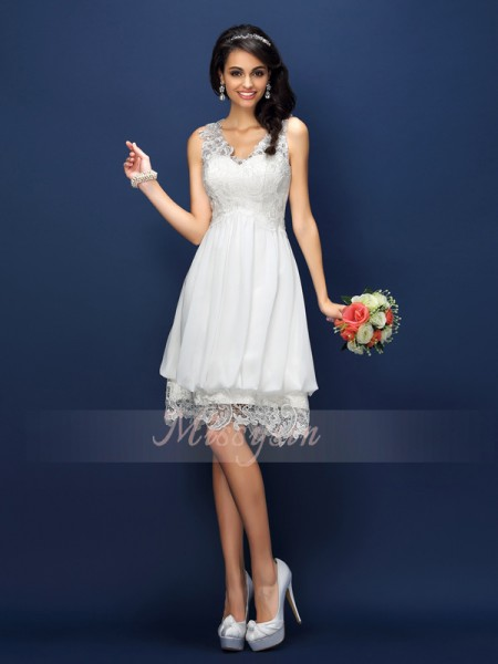Sleeveless V-neck Lace Short/Mini White Bridesmaid Dresses