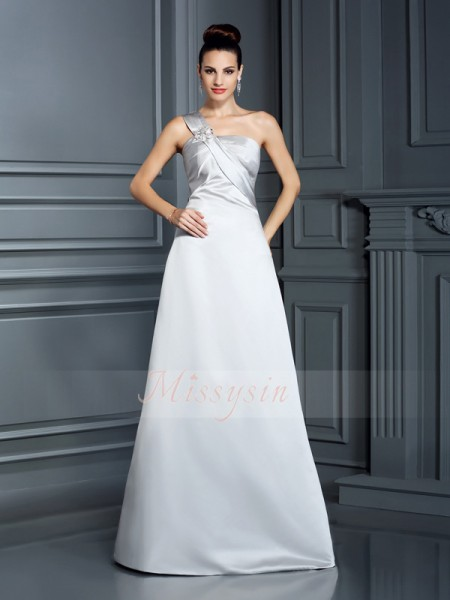 Sleeveless One-Shoulder Satin Long Silver Dresses
