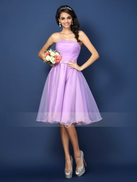 Sleeveless Strapless Satin Knee-Length Lavender Bridesmaid Dresses