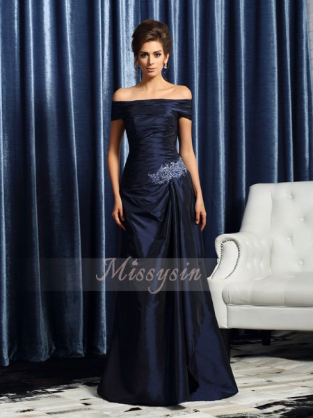 Short Sleeves Off-the-Shoulder Taffeta Sweep/Brush Train Dark Navy Mother of the Bride Dresses