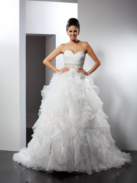 Ball Gown Sleeveless Sweetheart Chapel Train Ivory Wedding Dress