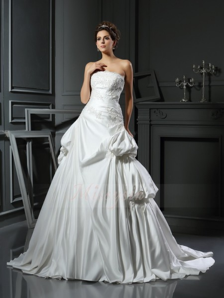 Ball Gown Sleeveless Strapless Chapel Train Ivory Wedding Dress