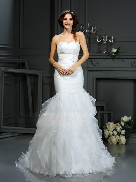 Trumpet/Mermaid Sleeveless Sweetheart Court Train Ivory Wedding Dress