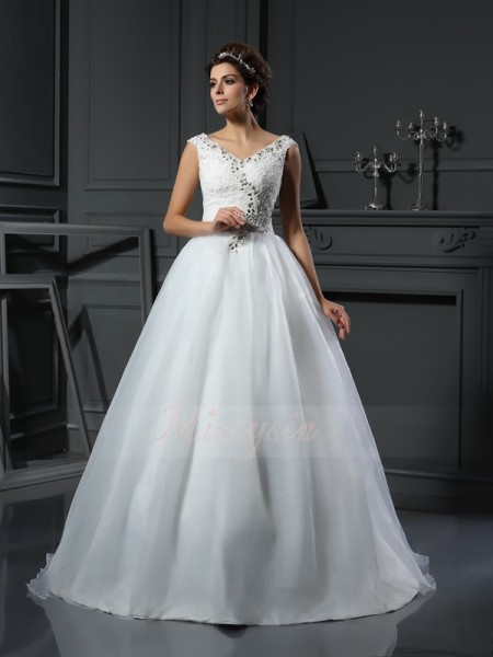 A-Line/Princess Sleeveless V-neck Chapel Train Ivory Wedding Dress