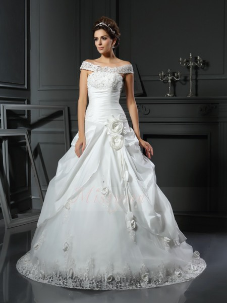Ball Gown Sleeveless Off-the-Shoulder Chapel Train Ivory Wedding Dress