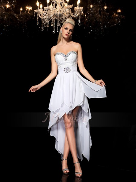 A-Line/Princess Sleeveless Sweetheart Asymmetrical White Dresses