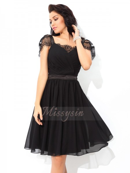 A-Line/Princess Sleeveless Straps Short Black Dresses