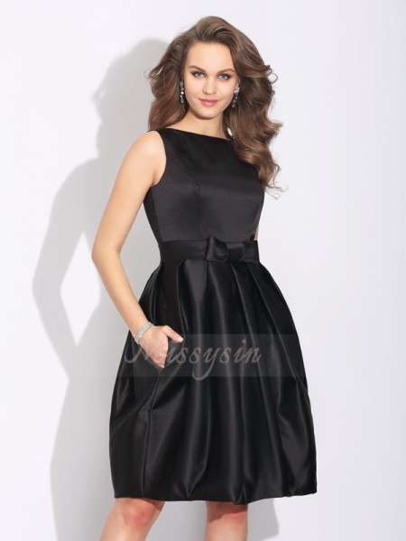 A-Line/Princess Sleeveless Bateau Short Black Dresses