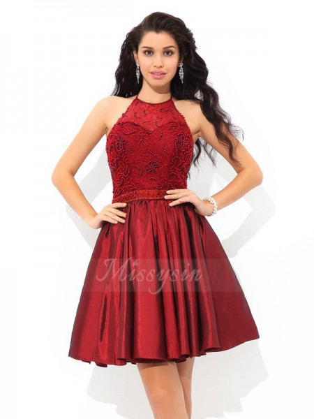 A-Line/Princess Sleeveless Halter Short Burgundy Dresses