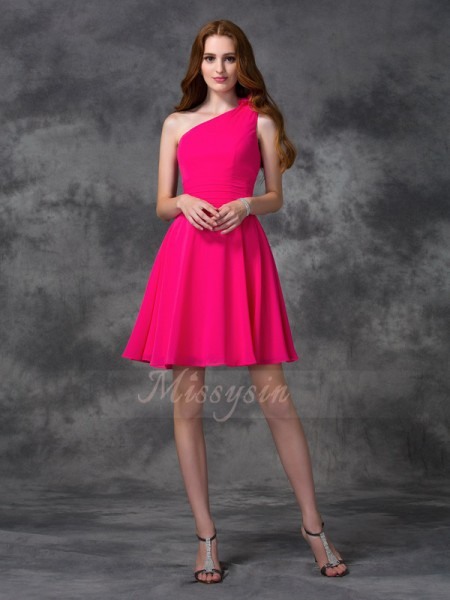 A-line/Princess Sleeveless One-Shoulder Short Fuchsia Dresses