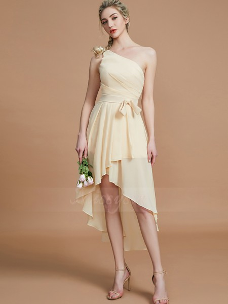 A-Line/Princess Asymmetrical One-Shoulder Sleeveless Champagne Bridesmaid Dresses