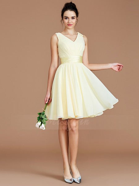 A-Line/Princess Short/Mini V-neck Sleeveless Daffodil Bridesmaid Dresses
