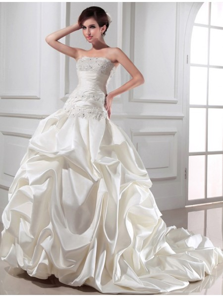 Sleeveless Strapless Chapel Train Ivory Wedding Dresses