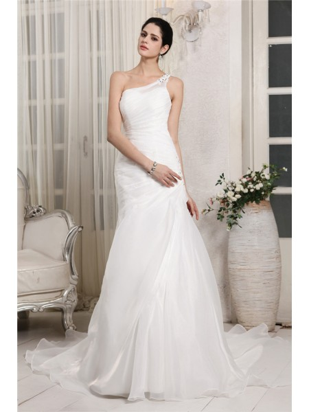 Sleeveless One-Shoulder Chapel Train White Wedding Dresses