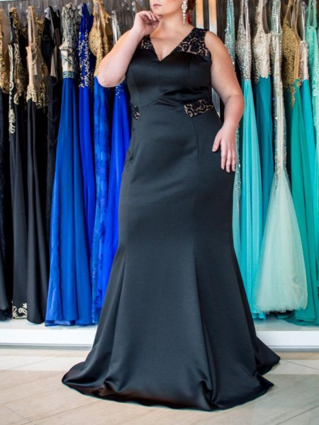 Sleeveless V-neck Sweep/Brush Train Plus Size Black Dresses