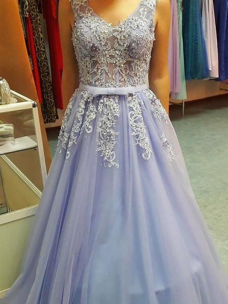 A-Line/Princess Sleeveless V-neck Long Lavender Tulle Prom Dresses