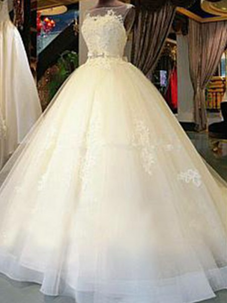 Ball Gown Tulle Applique Scoop Sleeveless Cathedral Train White Wedding Dresses