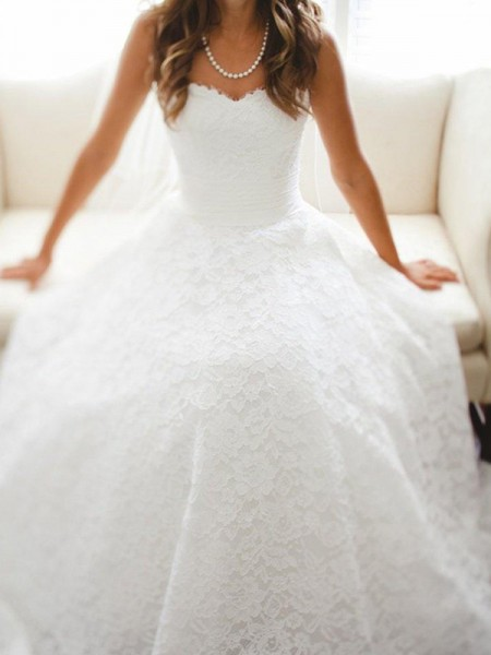 A-Line/Princess Lace Lace Sweetheart Sleeveless Cathedral Train White Wedding Dresses