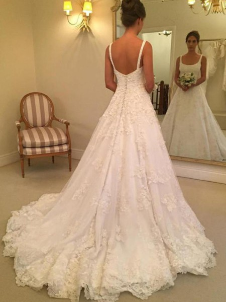 A-Line/Princess Lace Applique Square Sleeveless Court Train White Wedding Dresses