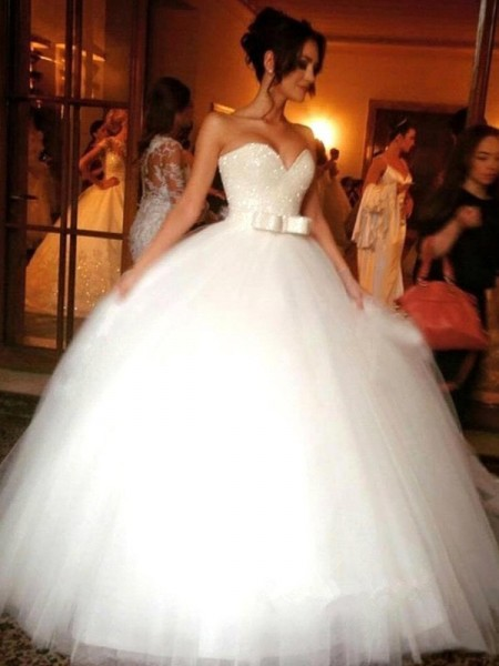 Ball Gown Sleeveless Sweetheart Long White Tulle Wedding Dresses