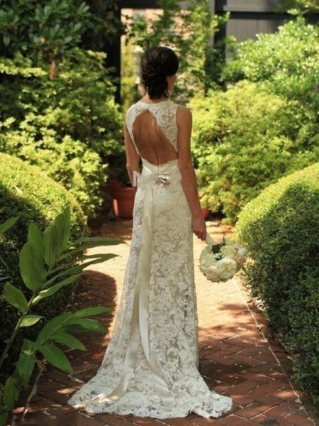 Sheath/Column Sleeveless V-neck Sweep Train White Lace Wedding Dresses