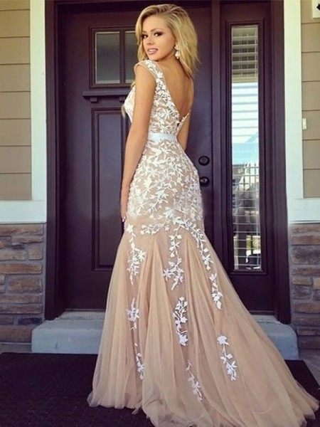 Sheath/Column Sleeveless Bateau Long Champagne Tulle Prom Dresses