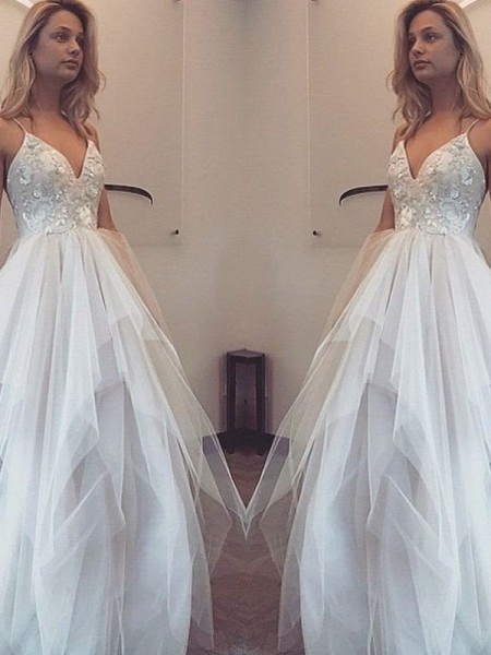 A-Line/Princess Sleeveless Spaghetti Straps Long White Tulle Prom Dresses