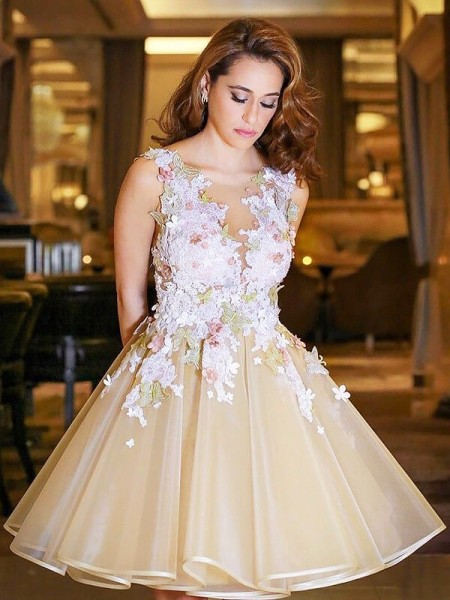 A-line/Princess Sleeveless Scoop Short Champagne Organza Homecoming Dresses
