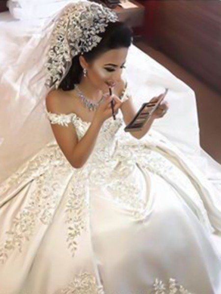 Ball Gown Sleeveless Off-the-Shoulder Sweep/Brush Train Satin Applique Wedding Dresses
