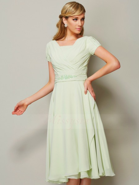 Sheath/Column Bateau Short Sleeves Knee-Length Sage Bridesmaid Dresses