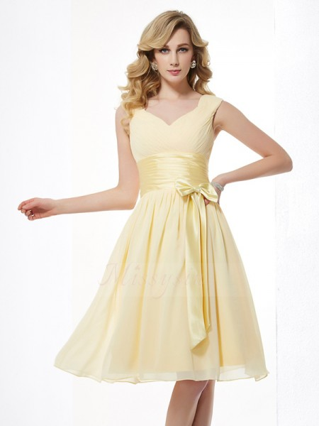 A-Line/Princess Straps Sleeveless Knee-Length Yellow Dresses