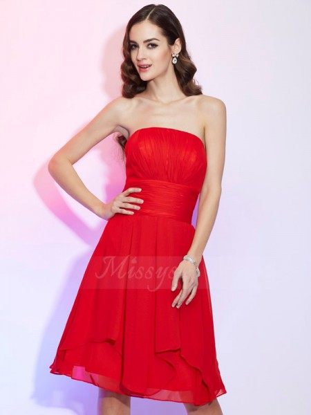 A-Line/Princess Strapless Sleeveless Knee-Length Red Dresses