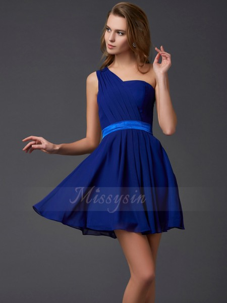A-Line/Princess One-Shoulder Sleeveless Short/Mini Royal Blue Dresses