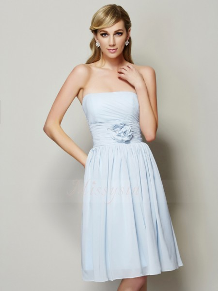 A-Line/Princess Strapless Sleeveless Knee-Length Light Sky Blue Dresses