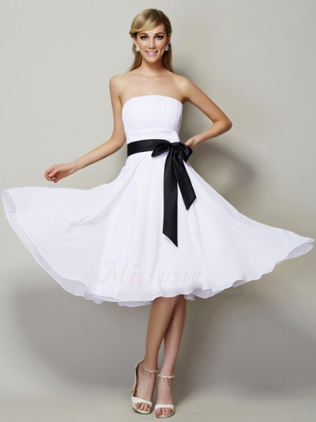 A-Line/Princess Strapless Sleeveless Knee-Length White Bridesmaid Dresses
