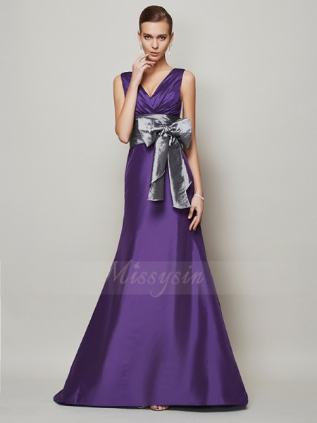 A-Line/Princess V-neck Sleeveless Floor-Length Regency Dresses
