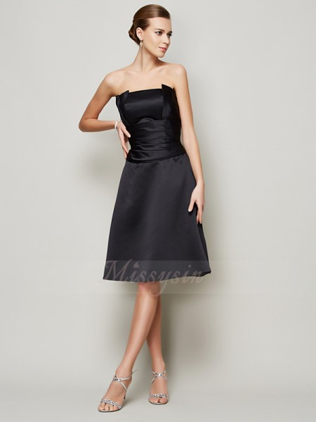 A-Line/Princess Strapless Sleeveless Knee-Length Black Bridesmaid Dresses